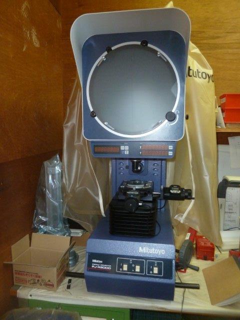 検査機/測定機【2307012】ミツトヨ製投影機PJ-A3000