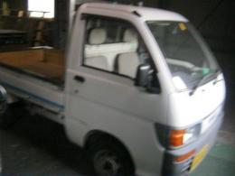 トラック【2011056】ダイハツ製キャブオーバ平成8年式買取
