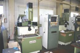 放電加工機【2002021】牧野製中古NC放電加工機EDNC-32型 1988年製買取
