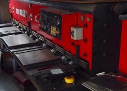 板金機械【2212012】アマダ製シャーリングM2545買取買取